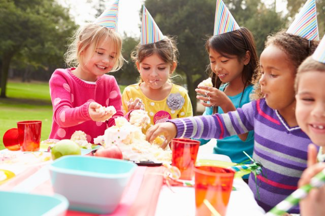 Calling All Moms and Dads! Keep Your Kids Safe this Summer with 7 Life-Saving Food Safety Tips